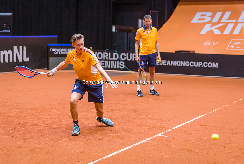 Den Bosch, The Netherlands, April 15, 2021,    Maaspoort, Billy Jean King Cup  Netherlands -  China : Practise  Demi Schuurs (NED) and KNLTB coach Paul Haarhuis (Ned))<br /> Photo: Tennisimages/Henk Koster