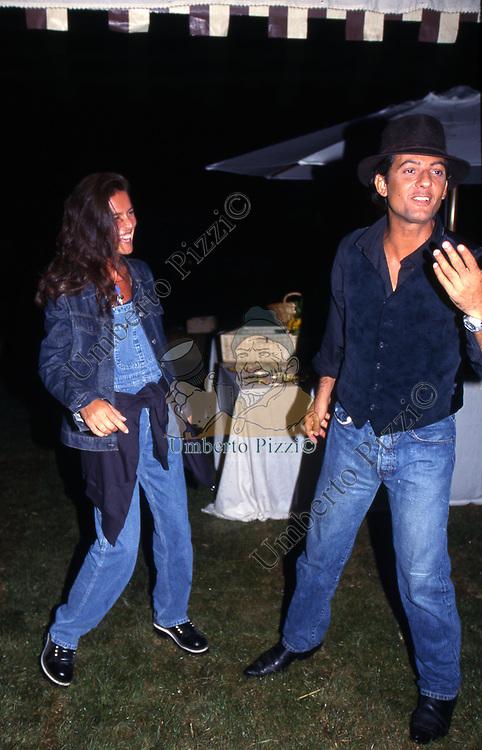 ROSARIO FIORELLO CON LA MOGLIE SUSANNA BIONDO<br /> FESTA PER I 60 ANNI DI MAURIZIO COSTANZO<br /> MANEGGIO DI GIANNELLA  1998