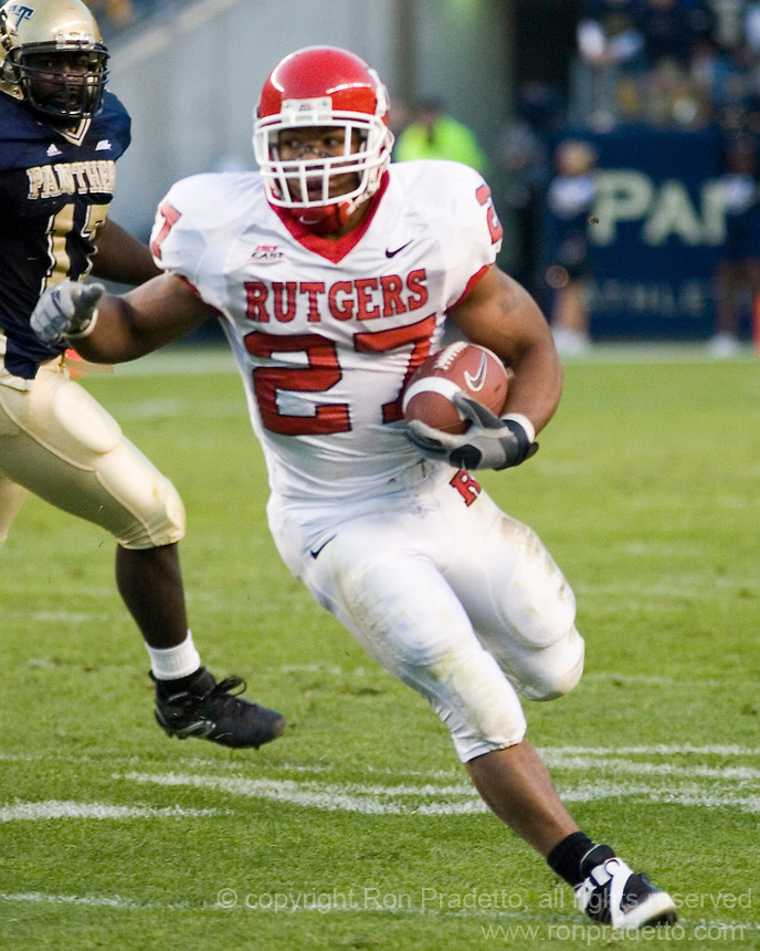 21 October 2006: Rutgers running back Ray Rice..The Rutgers Scarlet Knights defeated the Pitt Panthers 20-10 on October 21, 2006 at Heinz Field, Pittsburgh, Pennsylvania.