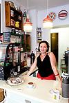 Shop und Cafe RetrolykkeShop und Cafe Retrolykke, 08/2014<br /> <br /> Engl.: Europe, Scandinavia, Norway, Oslo, Gruenerløkka, shop and cafe Retrolykke, gastronomy, interior view, employee, woman, August 2014
