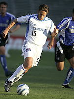 23 April 2005: Wizards' Josh Wolff in action against Earthquakes at Spartan Stadium in San Jose, California.   Earthquakes defeated Wizards, 3-2.  Credit: Michael Pimentel / ISI