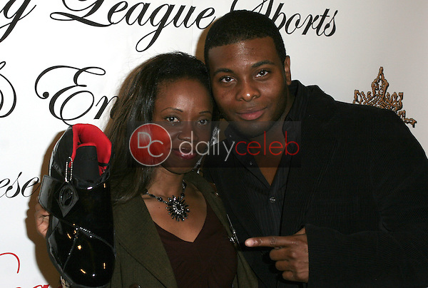 Charmaine Blake and Kel Mitchell with the new Master P shoe<br /> at the 1st Annual Read To Succeed Literary Gala, Renaissance Hollywood Hotel, Hollywood, CA. 11/11/06<br /> Marty Hause/DailyCeleb.com 818-249-4998