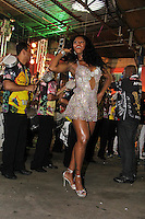 SAO PAULO, SP, 09 DE DEZEMBRO DE 2011, Camila Silva, Rainha de bateria da VAI VAI, no LANÇAMENTO DO CD DA LIGA DAS ESCOLAS DE SAMBA 2012 na quadra da Escola de Samba Rosas de Ouro, zona norte de SP.  (FOTO: MILENE CARDOSO / NEWS FREE)