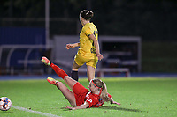 Woluwe's Magali Dinon (6) (on the ground) and Standard's Noemie Gelders (10) in action during a female soccer game between FC Femina WS Woluwe and Standard Femina de Liege on the fourth match day of the 2020 - 2021 season of Belgian Womens Super League , Friday 8th of October 2020  in Liege , Belgium . PHOTO SPORTPIX.BE   SPP   SEVIL OKTEM