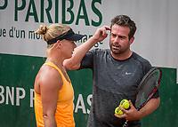 Paris, France, 28 May, 2017, Tennis, French Open, Roland Garros, Kiki Bertens (NED) with her coach Raemon Sluiter training <br /> Photo: Henk Koster/tennisimages.com
