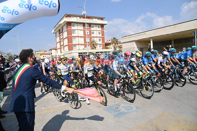 The start of Stage 1 of Tirreno-Adriatico Eolo 2021, running 156km from Lido di Camaiore to Lido di Camaiore, Italy. 10th March 2021. <br /> Photo: LaPresse/Gian Mattia D'Alberto | Cyclefile<br /> <br /> All photos usage must carry mandatory copyright credit (© Cyclefile | LaPresse/Gian Mattia D'Alberto)