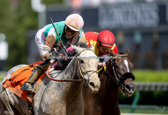 April 30, 2021 : Obligatory, #7, ridden by jockey Jose Ortiz, wins the Eight Belles Stakes on Kentucky Oaks Day at Churchill Downs on April 30, 2021 in Louisville, Kentucky. Carolyn Simancik/Eclipse Sportswire/CSM