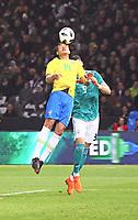Thiago Silva (Brasilien Brasilia) klaert gegen Sandro Wagner (Deutschland Germany) - 27.03.2018: Deutschland vs. Brasilien, Olympiastadion Berlin