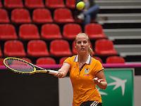 The Netherlands, Den Bosch, 16.04.2014. Fed Cup Netherlands-Japan, Practice, Richel Hogenkamp (NED)<br /> Photo:Tennisimages/Henk Koster