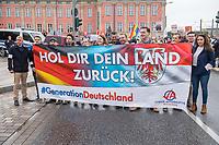 """AfD-Kundgebung in Potsdam.<br /> Ca. 70 AfD-Anhaenger kamen am Samstag den 9. September 2017 zu einer Wahlveranstaltung der rechtsnationalistischen """"Alternative fuer Deutschland"""", AfD. Unter den Teilnehmern waren u.a. Neonazis die """"Patrioten Cottbus"""" oder die sog. """"Schwarze Sonne"""", ein Zeichen der SS auf ihren Jacken trugen. Offiziell hatte die AfD die Kundgebung als Gruendung einer rechten Gewerkschaft namens """"Alternativer Arbeitnehmerverband Mitteldeutschland"""" (Alarm) in Brandenburg deklariert.<br /> 500 Menschen protestierten friedlich gegen die Veranstaltung.<br /> im Bild: Mitglieder der AfD-Jugendorganisation stellen sich mit einem Transparent provozierend vor die Gegenkundgebung.<br /> 9.9.2017, Potsdam<br /> Copyright: Christian-Ditsch.de<br /> [Inhaltsveraendernde Manipulation des Fotos nur nach ausdruecklicher Genehmigung des Fotografen. Vereinbarungen ueber Abtretung von Persoenlichkeitsrechten/Model Release der abgebildeten Person/Personen liegen nicht vor. NO MODEL RELEASE! Nur fuer Redaktionelle Zwecke. Don't publish without copyright Christian-Ditsch.de, Veroeffentlichung nur mit Fotografennennung, sowie gegen Honorar, MwSt. und Beleg. Konto: I N G - D i B a, IBAN DE58500105175400192269, BIC INGDDEFFXXX, Kontakt: post@christian-ditsch.de<br /> Bei der Bearbeitung der Dateiinformationen darf die Urheberkennzeichnung in den EXIF- und  IPTC-Daten nicht entfernt werden, diese sind in digitalen Medien nach §95c UrhG rechtlich geschuetzt. Der Urhebervermerk wird gemaess §13 UrhG verlangt.]"""