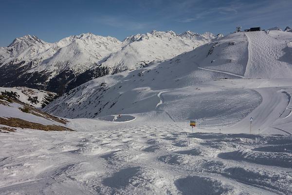 Descending to Steissbachtal ski trail, St Anton Ski Area, Austria,