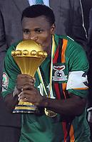 Christopher Katongo Zambia con la coppa.Libreville 12/2/2012 .Football Calcio 2012.Coppa d'Africa.Zambia Costa d'Avorio.Foto Insidefoto / Christian Liewig / FEP / Panoramic.ITALY ONLY