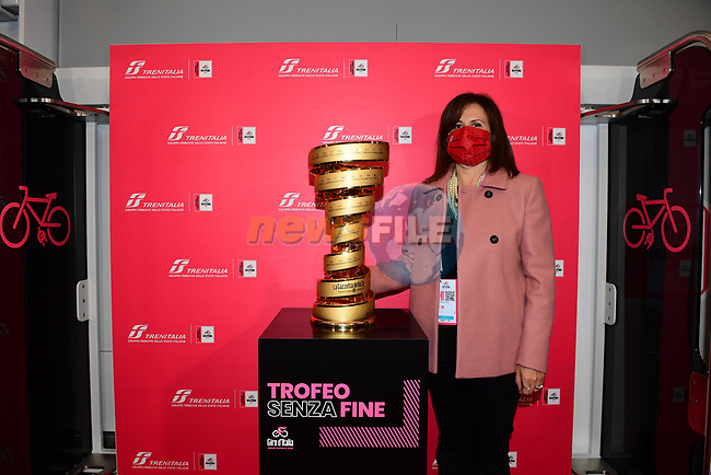 Sabrina De Filippis, Director of the Regional Passenger Division of Trenitalia with the Trofeo Senza Fine which will travel today from Porto Sant'Elpidio to Rimini on a convoy with a pink livery in honour of the Corsa Rosa before the start of Stage 11 of the 103rd edition of the Giro d'Italia 2020 running 182km from Porto Sant'Elpidio to Rimini, Italy. 14th October 2020.  <br /> Picture: LaPresse/Jennifer Lorenzini | Cyclefile<br /> <br /> All photos usage must carry mandatory copyright credit (© Cyclefile | LaPresse/Jennifer Lorenzini)
