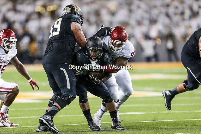 Baylor Bears running back Shock Linwood (32) in action during the game between the Oklahoma Sooners  and the Baylor Bears at the McLane Stadium in Waco, Texas.