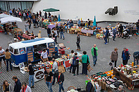 Europe/France/Normandie/76/Seine Maritime/  Le Havre: Marché devant Le  Volcan, Espace culturel havrais , scène nationale, œuvre d'Oscar Niemeyer  //Europe / France / Normandy / 76 / Seine Maritime / Le Havre: Market in front of Le Volcan, Havre cultural space, national scene, work by Oscar Niemeyer //