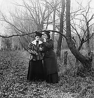 In Petrovsky Park. Moscow. 1900s. / В Петровском парке. Москва. 1900-е.
