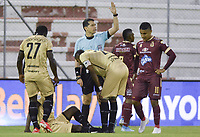 RIONEGRO - COLOMBIA, 14-02-2020: Jorge Guzman, arbitro, durante partido por la fecha 5 entre Rionegro Águilas y Deportes Tolima como parte de la Liga BetPlay DIMAYOR I 2020 jugado en el estadio Alberto Grisales de la ciudad de Rionegro. / Jorge Guzman, referee, during Match for the date 5 between Rionegro Aguilas and Deportes Tolima as part BetPlay DIMAYOR League I 2020 played at Alberto Grisales stadium in Rionegro city. Photo: VizzorImage / Leon Monsalve / Cont