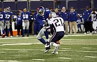 Amani Toomer (giants) gegen Randall Gay (Patriots)<br /> New York Giants vs. New England Patriots<br /> *** Local Caption *** Foto ist honorarpflichtig! zzgl. gesetzl. MwSt. Auf Anfrage in hoeherer Qualitaet/Aufloesung. Belegexemplar an: Marc Schueler, Am Ziegelfalltor 4, 64625 Bensheim, Tel. +49 (0) 6251 86 96 134, www.gameday-mediaservices.de. Email: marc.schueler@gameday-mediaservices.de, Bankverbindung: Volksbank Bergstrasse, Kto.: 151297, BLZ: 50960101