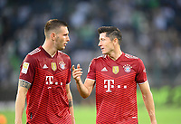 Robert LEWANDOWSKI (M) with Niklas SUELE l. (SÃ_le, M) after the game Soccer 1. Bundesliga, 01.matchday, Borussia Monchengladbach (MG) - FC Bayern Munich (M), on 08/13/2021 in Borussia Monchengladbach / Germany. #DFL regulations prohibit any use of photographs as image sequences and / or quasi-video # Â
