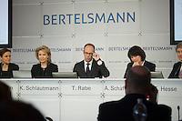 Bertelsmann Bilanz-PK am Dienstag den 26. Maerz 2013 in Berlin.<br />Vlnr.: Dr. Judith Hartmann, Chief Financial Officer Bertelsmann; Karin Schlautmann, Leiterin Unternehmenskommunikation Bertelsmann; Dr. Thomas Rabe, Vorstandsvorsitzender Bertelsmann; Anke Schaeferkordt, Co-CEO RTL Group und Geschaeftsfuehrerin Mediengruppe RTL Deutschland; Dr. Thomas Hesse, Vorstand fuer Unternehmnsentwicklung und Neugeschaefte Bertelsmann.<br />26.3.2013, Berlin<br />Copyright: Christian-Ditsch.de<br />[Inhaltsveraendernde Manipulation des Fotos nur nach ausdruecklicher Genehmigung des Fotografen. Vereinbarungen ueber Abtretung von Persoenlichkeitsrechten/Model Release der abgebildeten Person/Personen liegen nicht vor. NO MODEL RELEASE! Don't publish without copyright Christian-Ditsch.de, Veroeffentlichung nur mit Fotografennennung, sowie gegen Honorar, MwSt. und Beleg. Konto:, I N G - D i B a, IBAN DE58500105175400192269, BIC INGDDEFFXXX, Kontakt: post@christian-ditsch.de<br />Urhebervermerk wird gemaess Paragraph 13 UHG verlangt.]