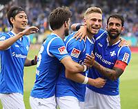 celebrate the goal, Torjubel zum 3:0 von Felix Platte (SV Darmstadt 98) mit Romain Bregerie (SV Darmstadt 98), Dong Won Ji (SV Darmstadt 98), Aytac Sulu (SV Darmstadt 98) - 28.04.2018: SV Darmstadt 98 vs. 1. FC Union Berlin, Stadion am Boellenfalltor, 32. Spieltag 2. Bundesliga