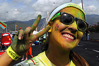 MEDELLÍN -COLOMBIA-01-09-2013. Aspecto de la carrera recreativa The Color Run Medellín 01.09.13 que se realizó hoy en las calles de Medellín./ Aspect of the recreational competition The Color Run Medellin 01.09.13 made today on the Medellin streets.  Photo:VizzorImage/Luis Ríos/STR
