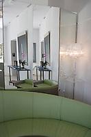 """Europe/France/Provence-Alpes-Cote d'Azur/Vaucluse/Saint-Saturnin-lès-Apt: Hotel restaurant """"Les Andéols"""" la salle du restaurant"""