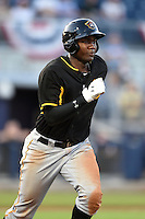 Bradenton Marauders outfielder Josh Bell (17) runs to first during a game against the Charlotte Stone Crabs on April 4, 2014 at Charlotte Sports Park in Port Charlotte, Florida.  Bradenton defeated Charlotte 9-1.  (Mike Janes/Four Seam Images)