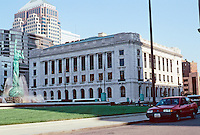 Cleveland: Cleveland Public Library, 1925. Southeast anchor of Group Plan scheme flanking old Federal Building. Photo '01.