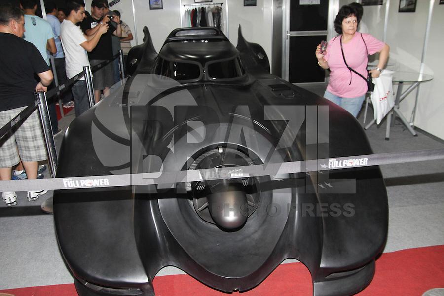 SAO PAULO, SP, 09.11.2014 - SALAO DO AUTOMOVEL - CARRO do BATMAN em exposição no último dia do 28º Salão Internacional do Automóvel no Anhembi na região norte de São Paulo, neste domingo, 09. (Foto: Marcos Moraes / Brazil Photo Press).