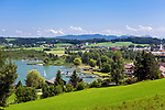 Oesterreich, Salzburger Land, Flachgau, Obertrum am See: mit Pfarrkirche und Badeplatz am Obertrumer See | Austria, Salzburger Land, region Flachgau, Obertrum at Lake Obertrum with parish church and bathing grounds