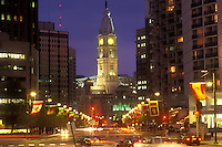 AJ1177, Philadelphia, Pennsylvania, City Hall, Benjamin Franklin Parkway and City Hall illuminated in the evening in downtown Philadelphia, Pennsylvania.