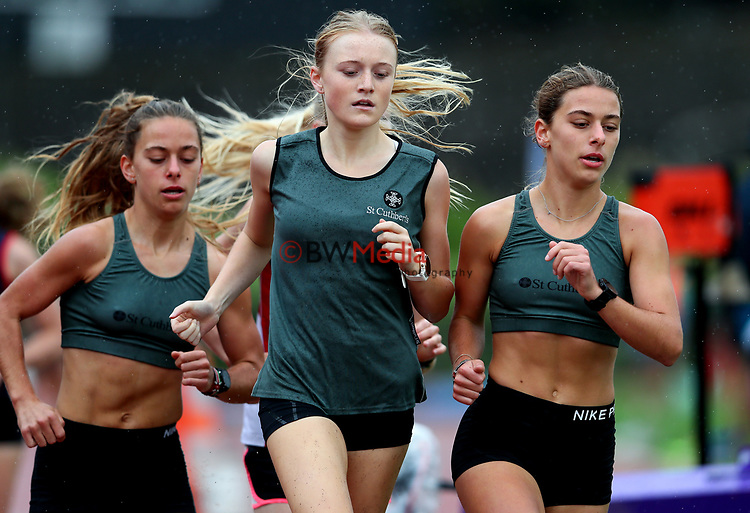 Chloe, and Bella Brown lead Isabella Richards (St Cuthberts), senior girls 3000m. Auckland Secondary Schools Athletic Championships, Mt Smart Stadium, Auckland, Tuesday 30 March 2021. Photo: Simon Watts/www.bwmedia.co.nz