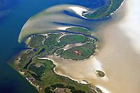 Insel Bock: EUROPA, DEUTSCHLAND, MECKLENBURG- VORPOMMERN, (EUROPE, GERMANY), 15.05.2008: Die Insel Bock liegt in der Ostsee suedwestlich von Hiddensee.<br /> Die Insel Bock wurde kuenstlich durch Aufspuelung des Sandes aus der Fahrrinne nach Stralsund geschaffen und gehoert zur Kernzone des Nationalparks Vorpommersche Boddenlandschaft. Sie ist ein Naturschutzgebiet und unbewohnt. Der Name wurde von Aufgebockt abgeleitet. Der Name entstand, da hier viele Schiffe auf der ehemaligen Sandbank aufliefen, also aufgebockt sind. Im Westen ist die Insel nur durch schmale, flache Wasserlaeufe von der Inselgruppe Kleine Werder getrennt.