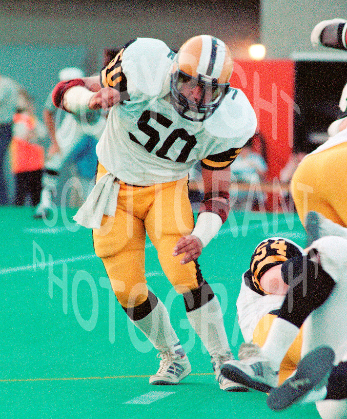 Henry Waszczuk Hamilton Tiger Cats 1983. Copyright photograph Scott Grant