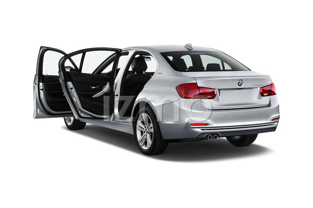 Car images of 2018 BMW 3-Series 330e-iPerformance 4 Door Sedan Doors