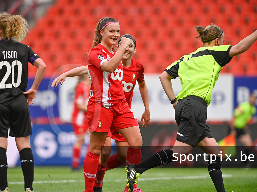 Davinia Vanmechelen (25) of Standard pictured celebrating after scoring a goal during a female soccer game between Standard Femina de Liege and RSC Anderlecht on the 8th matchday in play off 1 of the 2020 - 2021 season of Belgian Scooore Womens Super League , tuesday 18 th of May 2021  in Angleur , Belgium . PHOTO SPORTPIX.BE   SPP   DAVID CATRY