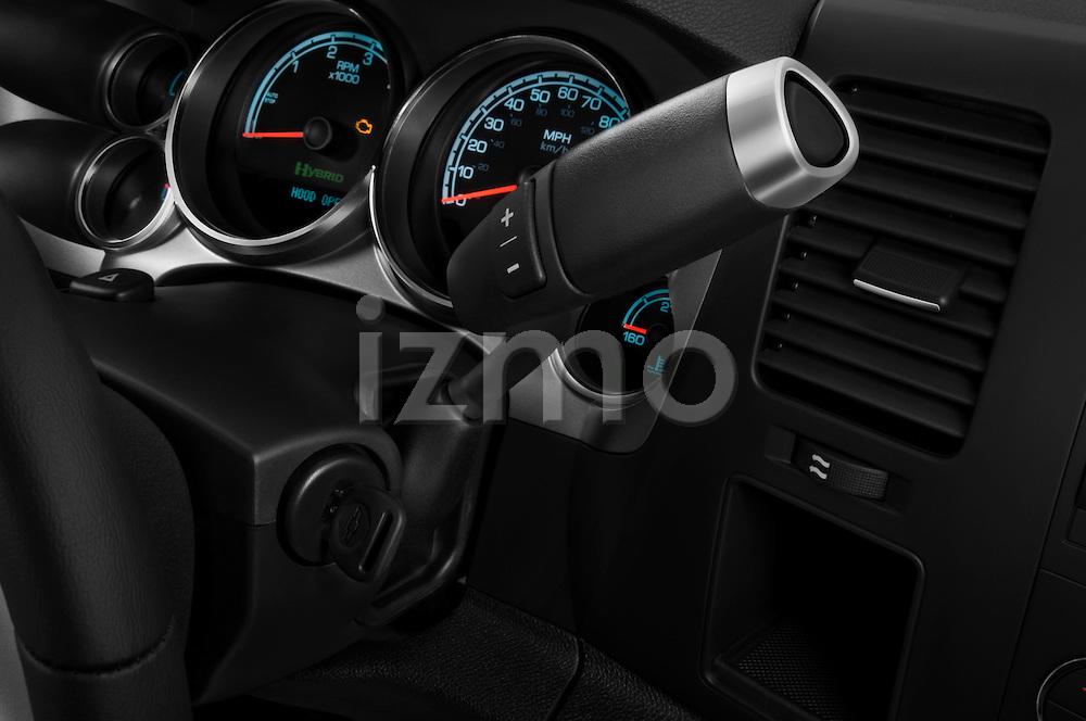 Gear shift detail view of a 2009 Chevrolet Silverado Hybrid