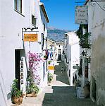 Spain, Costa Blanca, Altea: Old Town lane | Spanien, Costa Blanca, Altea: Altstadtgasse