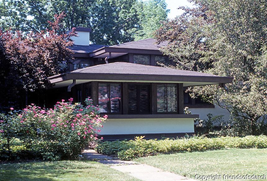 Frank LLoyd Wright: Walter V. Davidson House, 1908. 57 Tillinghast Place, Buffalo. Street (North Elevation)  Photo '88