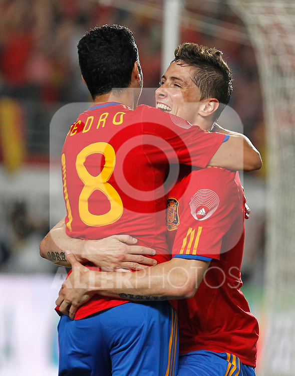 Spain's Fernando Torres and Pedro Rodriguez  celebrate during Friendly match. June 8, 2010. (ALTERPHOTOS/Acero)