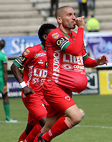TUNJA -COLOMBIA, 19-09-2015. Jorge Ramirez jugador de Patriotas FC celebra un gol anotado a La Equidad durante partido por la fecha 13 de la Liga Postobón II 2014 realizado en el estadio La Independencia de Tunja./ Jorge Ramirez players of Patriotas FC celebrates a goal against La Equidad during match for the 13th date of Postobon  League II 2014 played at  La Independencia stadium in Tunja. Photo: VizzorImage/César Melgarejo/STR