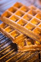 Belgique, Flandre-Occidentale, Bruges:  Gaufres flamandes,  Wafels, recette de Mario Cattoor du Restaurant: De Flaamsche Pot  // Belgium, Western Flanders, Bruges,  Waffles Flemish Wafels recipe, Mario Cattoor of Restaurant De Flaamsche Pott