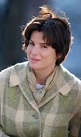 "Sandra Bullock 04-12-2005<br /> ""EVERY WORD IS TRUE"" MOVIE SET<br /> FORT GREENE PARK, BROOKLYN, NY<br /> Photo By John Barrett/PHOTOlink.net"