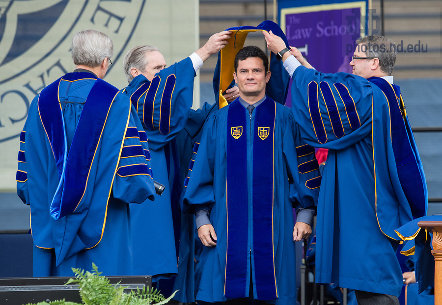 May 20, 2018; 2018 Judge and Sérgio Moro receives an honorary doctor of laws degree during the 2018 Commencement ceremony.  (Photo by Barbara Johnston/University of Notre Dame)