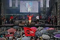 SÃO PAULO, SP 02.06.2019: FESTIVAL LULA LIVRE-SP - No palco Mombojó. Artistas e militantes se uniram no Festival Lula Livre, que aconteceu na tarde deste domingo (02) na Praça da República, zona central da capital paulista, em protesto contra a prisão do ex-presidente Lula. (Foto: Ale Frata/Codigo19)