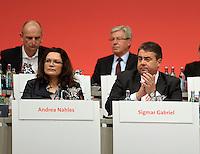 SPD Bundesparteitag im Congress Center Leipzig (CCL) an der Neuen Messe in Leipzig vom 14.11.-16.11.2013 - im Bild: Andrea Nahles (l.), Sigmar Gabriel (r.).<br />  Foto: Norman Rembarz