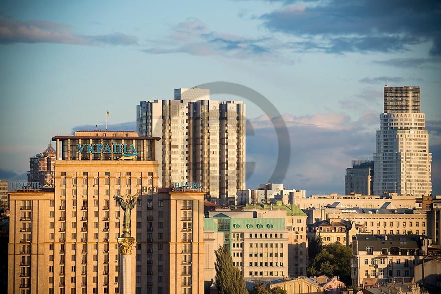 24/09/18 - KIEV - UKRAINE - Monument de l independance, Place Maidan - Photo Jerome CHABANNE