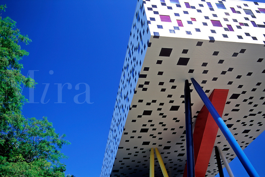 Canada, Ontario,Toronto, Ontario College of Art.New addition by architect Will Alsop