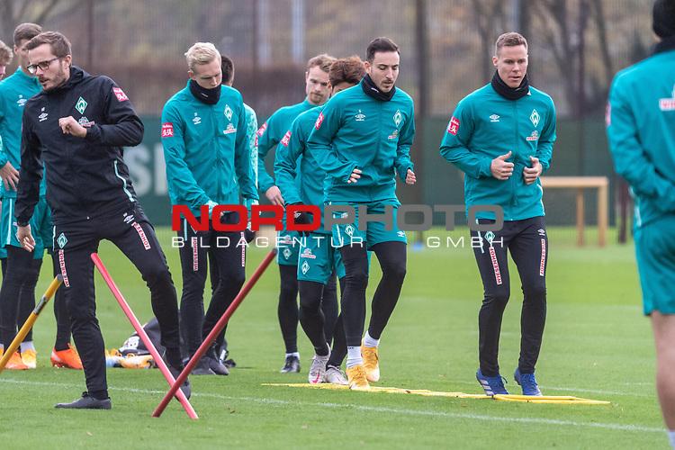16.11.2020, Trainingsgelaende am wohninvest WESERSTADION - Platz 12, Bremen, GER, 1.FBL, Werder Bremen Training<br /> <br /> Niklas Moisander (Werder Bremen #18 Kapitaen)<br /> Kevin Möhwald / Moehwald (Werder Bremen #06)<br /> Julian Rieckmann (Werder Bremen II #33)<br /> Christian Groß / Gross (Werder Bremen #36)<br /> <br /> <br /> <br /> Foto © nordphoto / Kokenge *** Local Caption ***